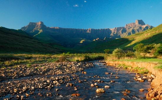 Sentinel Peak - Drakensberg Excursions